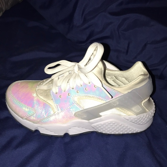 hot sale online 64587 62337 holographic huaraches